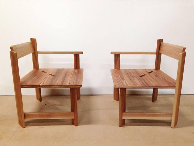 木製家具の椅子別々