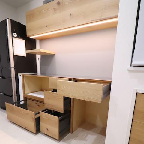 カップボード(食器棚)収納横から