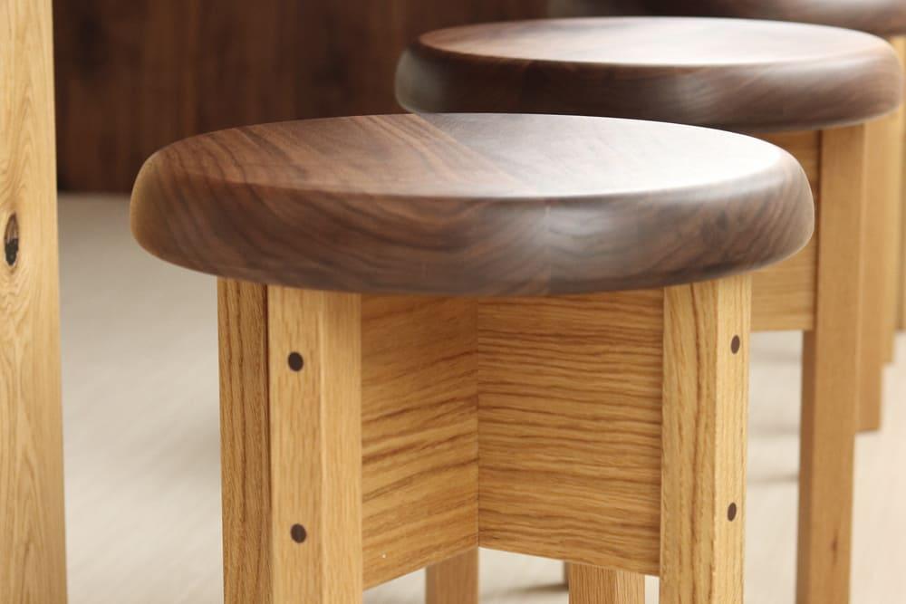 木製家具 丸椅子座面アップ