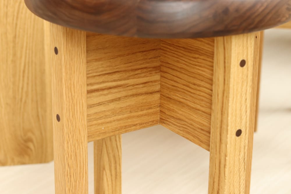 木製家具 丸椅子脚部