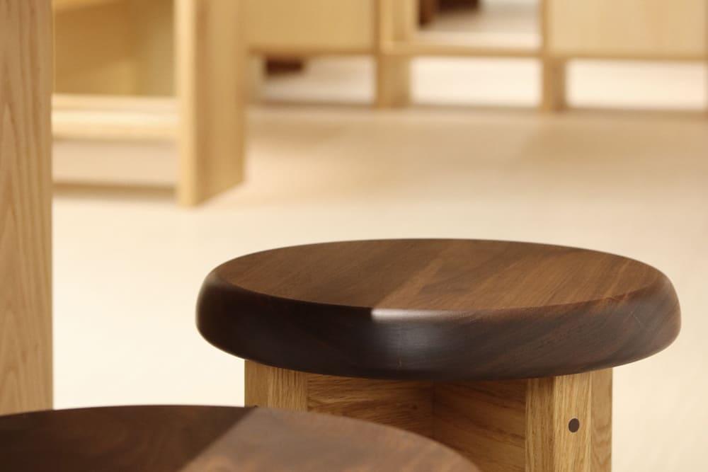 木製家具 かっこい丸椅子