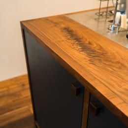 ステンレスと木材の天板