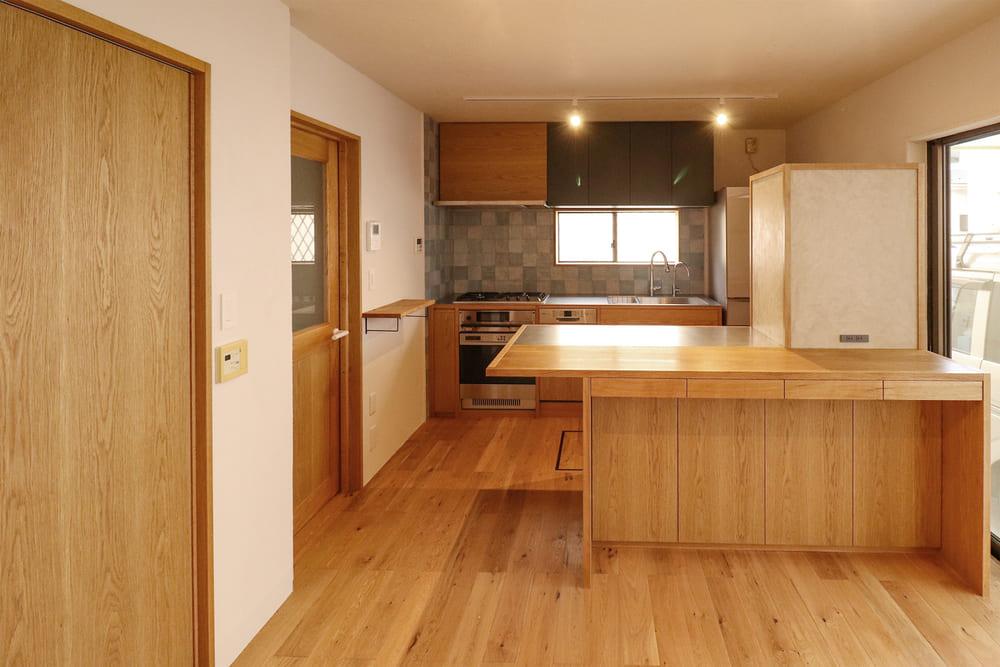<p>オーダーキッチンのデザイン・制作・施工、内装のリフォーム 埼玉県新座市のお客様</p>